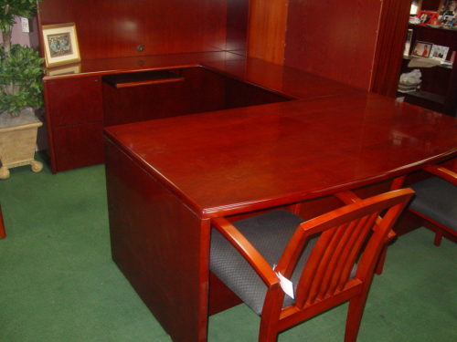6' x 9' Wood veneer executive U cherry