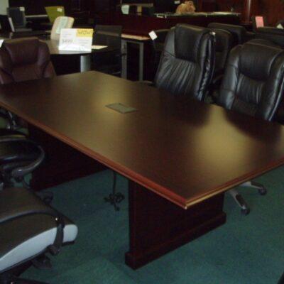 REG 8' Traditional rectangular conference table mahogany