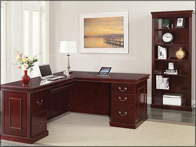 traditional desk w/ return