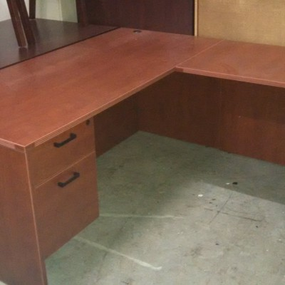 "5'6"" x 6' L-shape desk*"