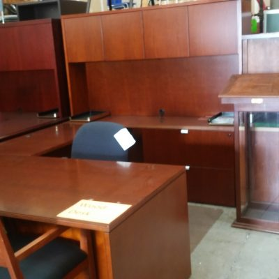 Jade series cherry wood veneer Executive 6'x 9' U with 6' hutch with doors