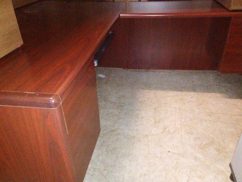 """Used HON 10700 mahogany 72"""" x 84"""" L-shape desk"""