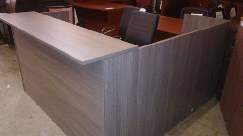 "6' x 6'6"" Reception L-desk"