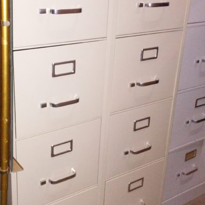 Used putty 4-drawer letter file with lock