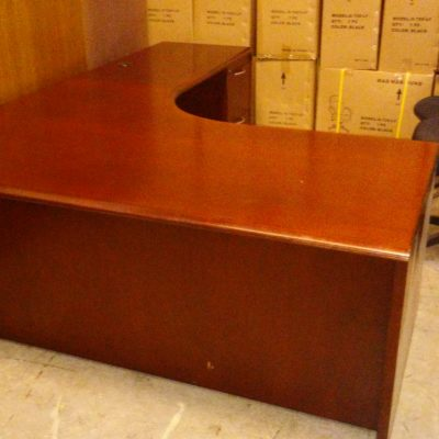 "Used wood veneer 6' x 7'6"" computer corner L-shape desk mahogany"