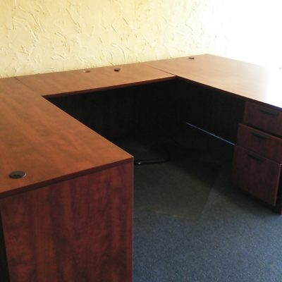 Used executive U-shape desk cherry
