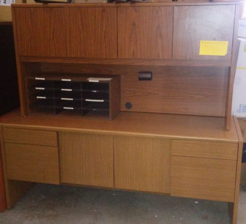 Used HON 6' credenza with hutch oak