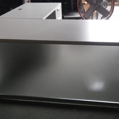 6' x 6' Executive L-desk w/ acrylic modesty panel